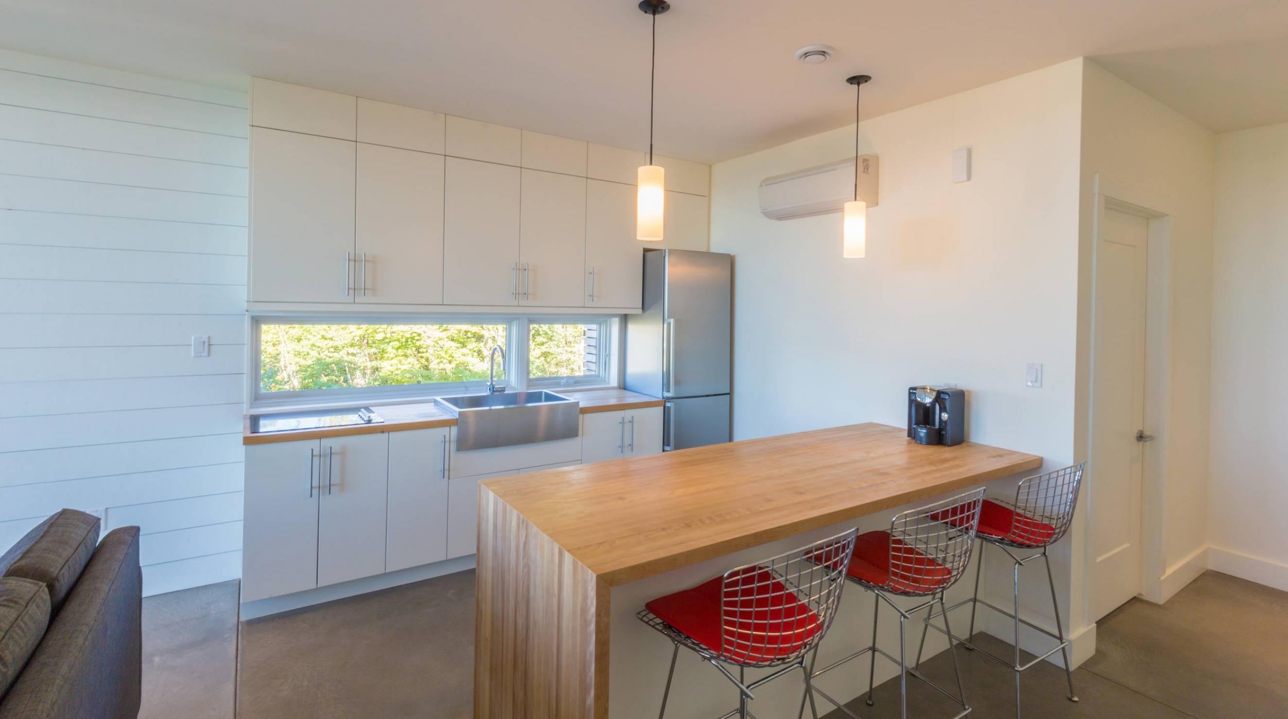 QuarterDeck Beach Lofts Summerville Beach Kitchen